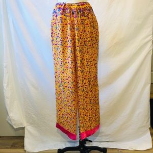 Tracy Feith Silk printed pants.